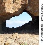 Gap Between Rocks  Natural Set
