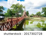 Sukhothai  Pagoda At Wat Sa Sri ...