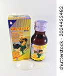 Small photo of Solafluz syrup is used to treat flu symptoms, such as fever, dizziness, nasal congestion, sneezing accompanied by coughing up phlegm for children's
