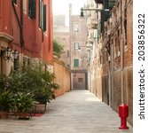 View Of A Typical Narrow Venice ...