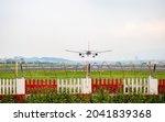 Airplane Landing In Taipei ...