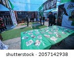 """Small photo of Hamas displays pictures of the kidnapped Israeli soldiers in the form of an anthropomorphic in an iron cage during an exhibition entitled """"Palestinian resistance"""" in Gaza City, on October 13, 2021."""