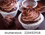 Beautiful Chocolate Cupcakes...