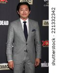 Постер, плакат: Steven Yeun at the