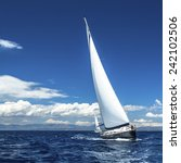 Постер, плакат: Yacht sails with beautiful