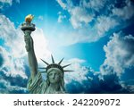 The Statue Of Liberty   New...