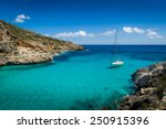 sailing yacht stay in dream bay ...