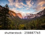 Yosemite National Park Valley...