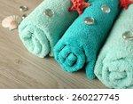 Beautiful Towels With Sea Stars ...