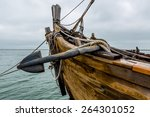 Anchor  Wooden Planks  Ropes ...