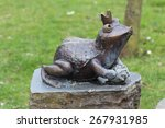 A Fountain Of Frog Sculpture I...