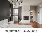 Old Fashioned Stylish Bedroom...