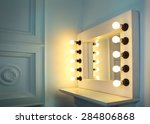 Mirror With Bulbs For Make Up...