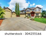 Luxurious Home With Well Kept...