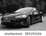 Постер, плакат: Black Electric Tesla Motors