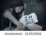 portrait of frustrated girl...   Shutterstock . vector #313523036