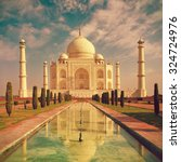 taj mahal in agra  uttar... | Shutterstock . vector #324724976