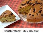 Round Chocolate Chips Cake