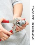 Tightening Pipe Parts With A...