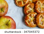 Mini Apple Pies With Fresh...
