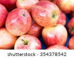 Red Apple   Malus Domestica  ...