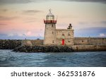 Howth Harbour Lighthouse ...