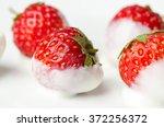 Fresh Strawberry Dip In Yogurt