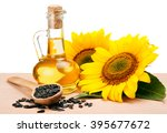 Постер, плакат: Sunflower oil spoon with
