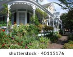 Colonial Home With Garden In...