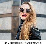 Fashion Portrait Stylish Prett...