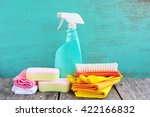 household supplies and cleaning ... | Shutterstock . vector #422166832