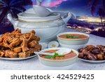 bowl of moroccan harira soup...   Shutterstock . vector #424529425