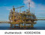 offshore oil and gas industry... | Shutterstock . vector #433024036