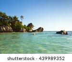 anse source d'argent boulder... | Shutterstock . vector #439989352