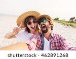 happy  traveling  couple in... | Shutterstock . vector #462891268