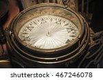 Vintage Compass  Close Up Photo ...