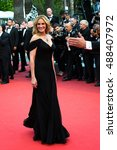 Small photo of Julia Roberts at the Money Monster Premiere at the 69th Festival de Cannes. May 12, 2016 Cannes, France