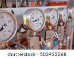 Pressure gauge  measuring...