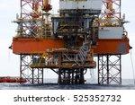 offshore oil rig drilling... | Shutterstock . vector #525352732