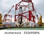 offshore oil rig drilling... | Shutterstock . vector #533690896