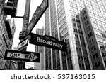 Broadway Arrow One Way Black...