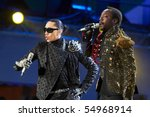 ������, ������: Singers Taboo & Will i Am