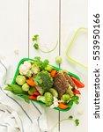 green school or picnic lunch... | Shutterstock . vector #553950166