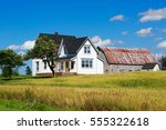 old traditional style farmhouse ... | Shutterstock . vector #555322618