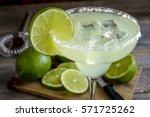 Classic Lime Margarita Cocktai...