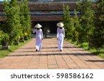 beautiful  woman with vietnam...   Shutterstock . vector #598586162