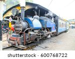 darjeeling toy steam train ...