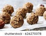 Dates Oatmeal Balls   No Cook...