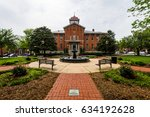 city hall court house in... | Shutterstock . vector #634192628