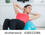 woman exercising her abs on a